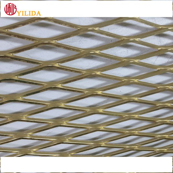 Plastic coated low carbon steel expanded metal lath for protection and barriers
