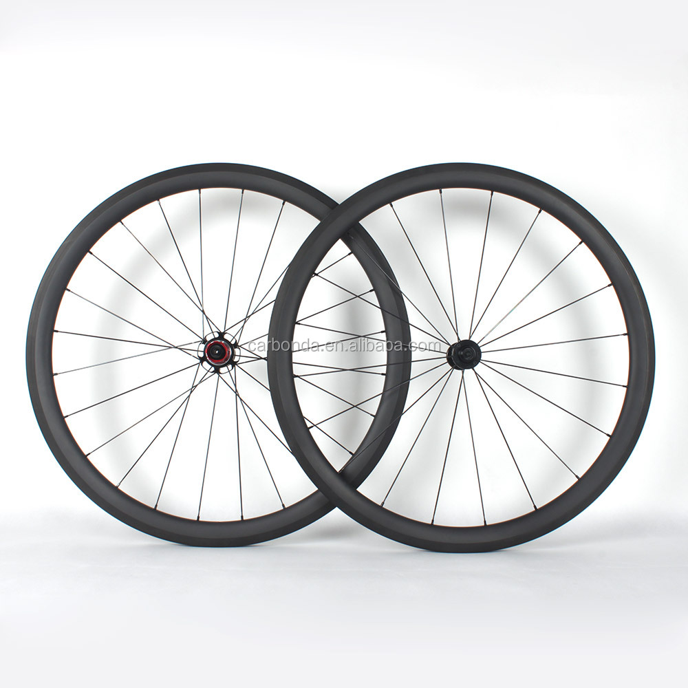 New carbon fiber 700C Clincher road bicycle wheels with chosen hub carbon wheels