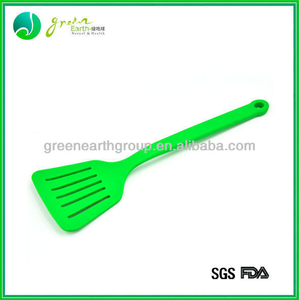 2013 Fashion Colourful silicone egg turner