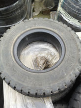 Pneus pleins Forklift tire 4.00-8 used occasion 50%