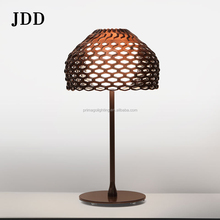 Designer Nordic simple retro retro modern neo-classical creative bed bedside lamp fashion creative pine table lamp