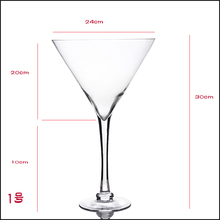 Hot selling Wedding Juice Water Globlet Wide Mouth Wine Glass Glassware Cocktail Glass