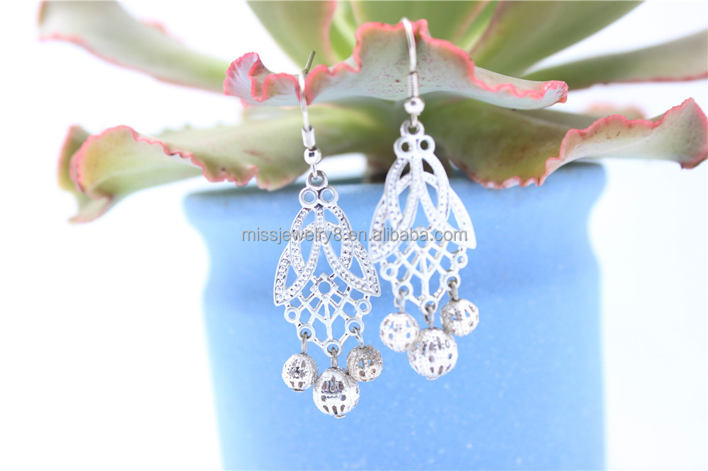 Silver Plated Filgree Hollowed-out Earrings Mesh Ball Dangle Earrings For Women Wear 2016 New Style