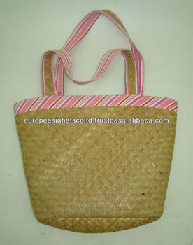 New straw bag