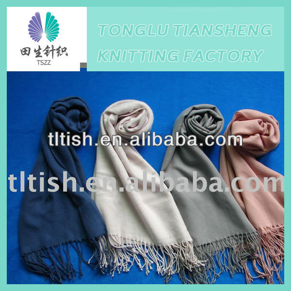 Fashion hot Selling new design pretty elegant lady stoles and shawls
