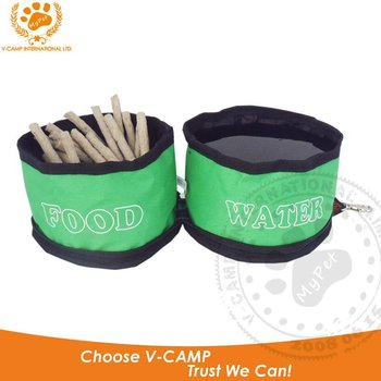 Collapsible pet bowls in green color
