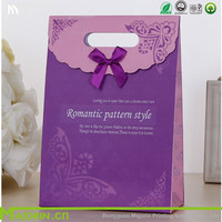 Romantic pattern style die cut handle gift paper bag for gift packing