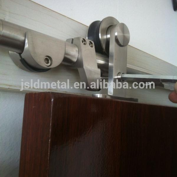 Puerta corredera de granero de madera espesor 3 1 4 for Puerta granero madera