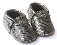 Lizard pattern PU leather baby moccasin