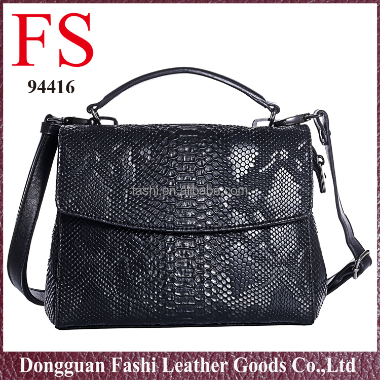 2016 Fashion customized wholesale European style messenger bag leather for women
