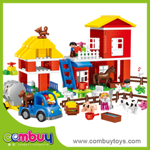 Hot sale diy set building blocks game plastic happy farm animal toys