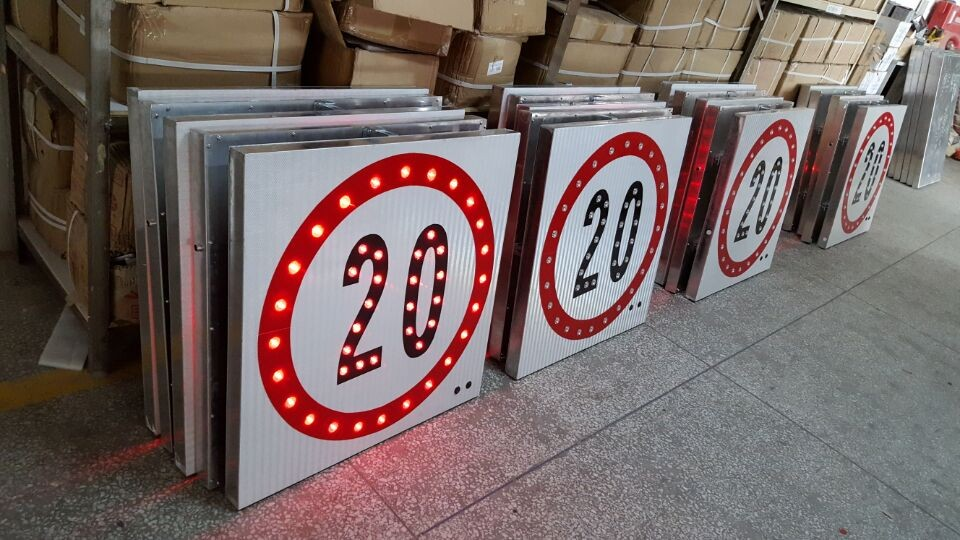 Triangle Aluminum Road signs with clamps reflective traffic signs