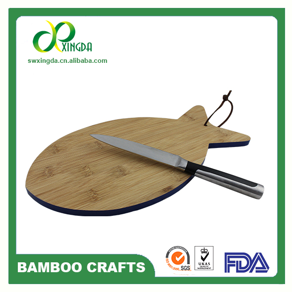 factory direct sale 2017 new design bamboo vegetabale cutting board with logo customized