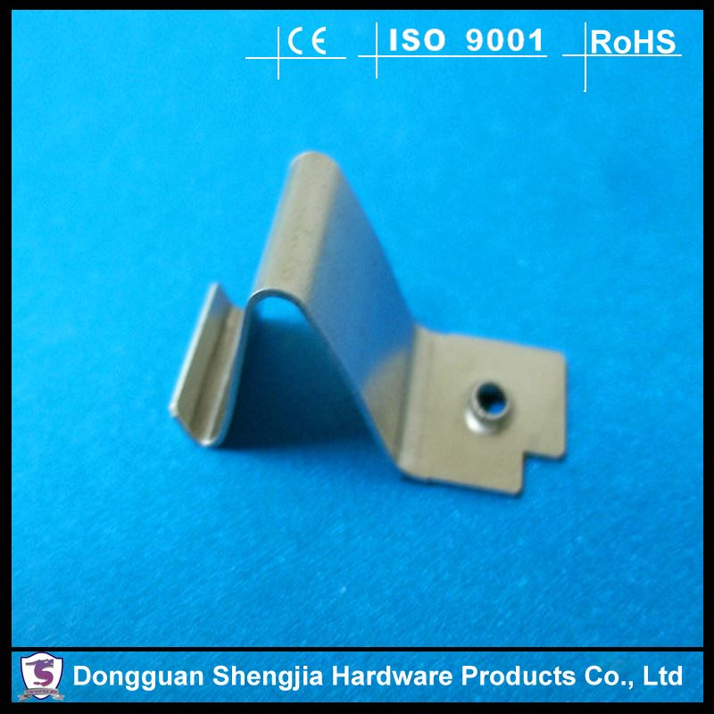 Smart home appliance spring steel retaining clip