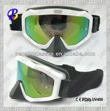 Tear off auto racing goggles with tear off lenses