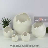 Ceramic Egg Decoration of Ceramic Broken Egg