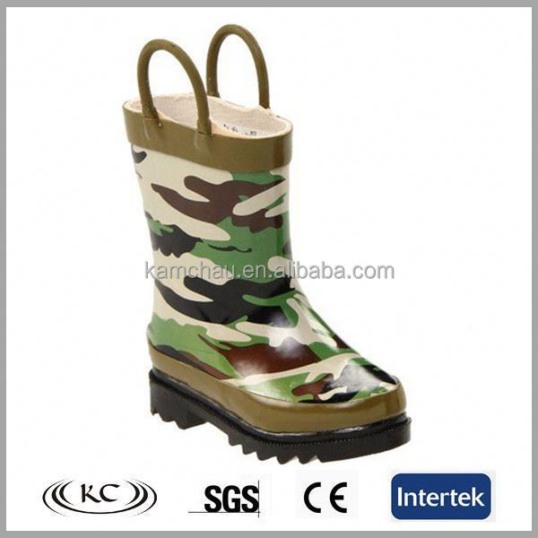 2017 high quality low price popular camo printed ankle anti-skid natural rubber adult galoshes boots for men