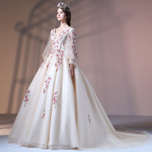 ZH0955E Retro courtly style women lace floral long sleeve long tail wedding dress v neck ball gown wedding gown