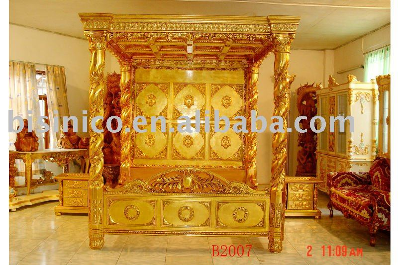 Luxury Gold Color Hand Carving Wooden Bedroom Set,Canopy King Bed ...