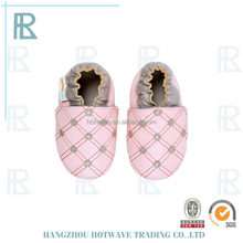 Warm soft leather Factory direct sales crochet knitting baby shoes