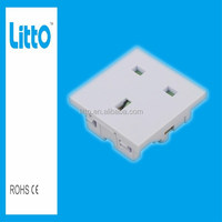 2015 Power Consumption Heat Resistant Secure Multi Function Industrial Electrical Plug Socket