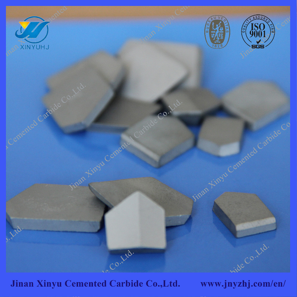 Cemented carbide cutting inserts for rock drilling tools