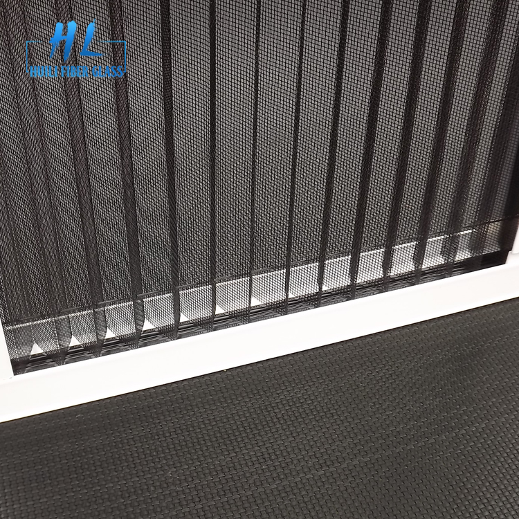 pleated insect screen 11.jpg