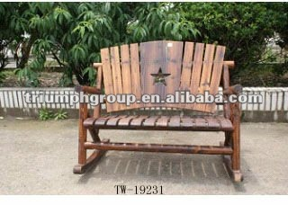 Mobili da esterno panca da giardino sedia a dondolo for Sedia a dondolo nursery
