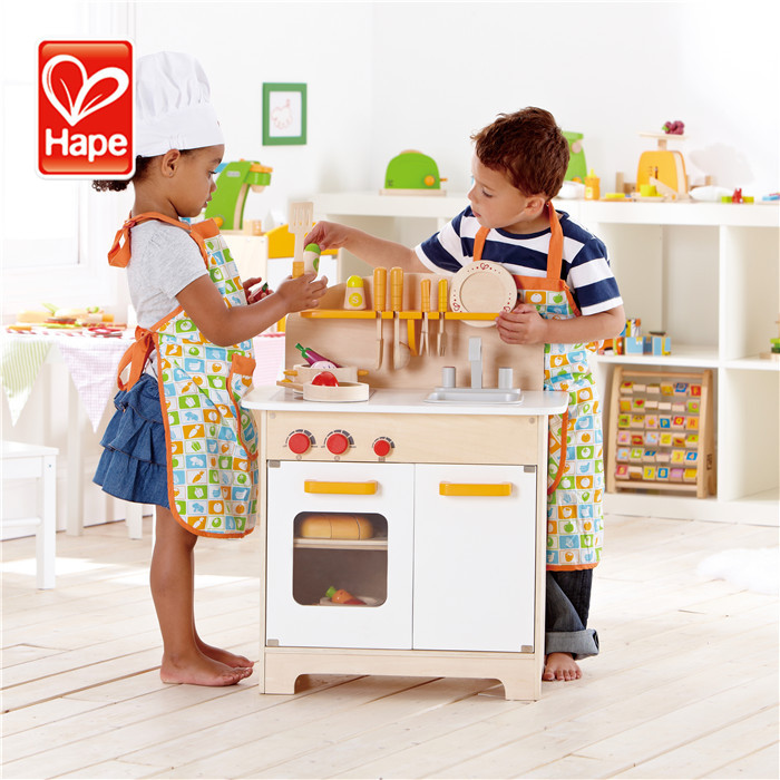 Hape Hot sale high quality educational role play wooden water kitchen toy