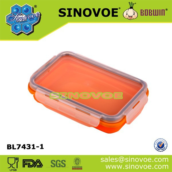 Silicone collapsible food storage lunch box with lock