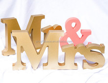 2017 hot sell Mr and Mrs Signs for Sweetheart Table Decor Wooden Letter made in China