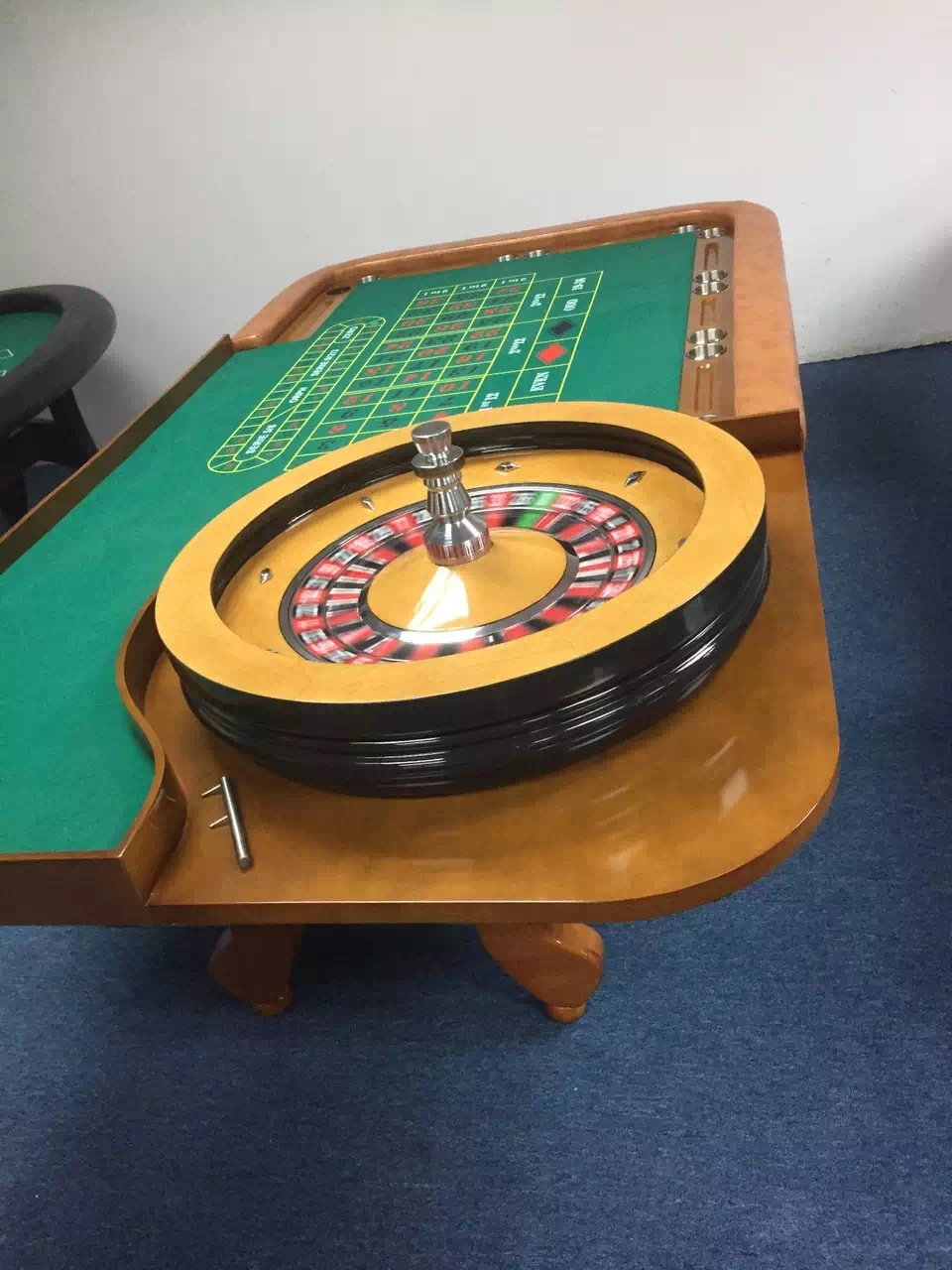 32inch solid roulette wheel of 2colors