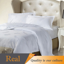 Luxury white feather printed hotel bedding set made in china