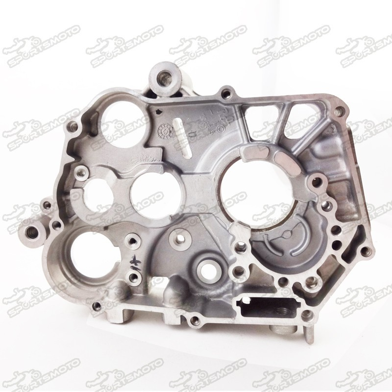 Dirt Bike Yinxiang Engine Parts YX150-5 150cc Right Crankcase 1P56FMJ