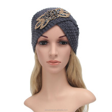 Autumn and Winter Crossed Diamond Flower Knitted Pattern Beanie Hat
