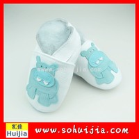 New fashion white and blue cow embroidered flat moccasins spanish baby shoes