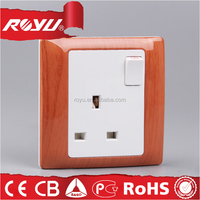 3 phase plugs and sockets,white colour SASO /CE certificate BS standard 13A UK switched socket