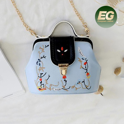 2017 stylish embroidered small bags online hotsale women handbags good quality lady crossbody bag from Alibaba China SY8569