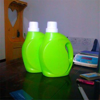 Hot sale green high concentrated wholesale laundry detergent packed in bottle