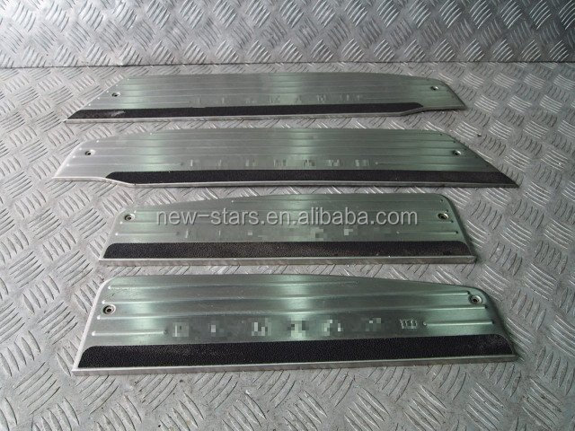 USED JDM Door Sills Sill Cover OEM for 02-08 Elgrand Caravan E51 Kouki