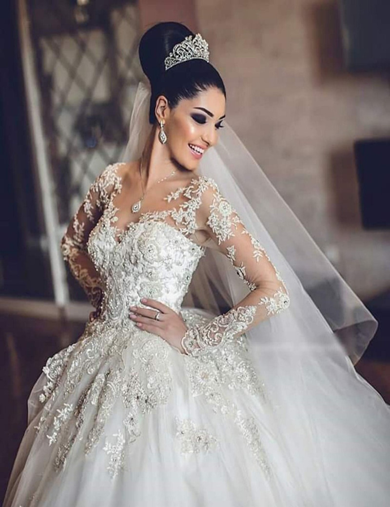 Latest Bridal Wedding Gowns Vestido de noiva Charming Deep V-Neck Lace Appliqued and Beaded A-Line Wedding Dress 2019