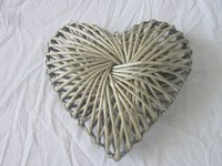 Gardon or home decoration woven wicker heart