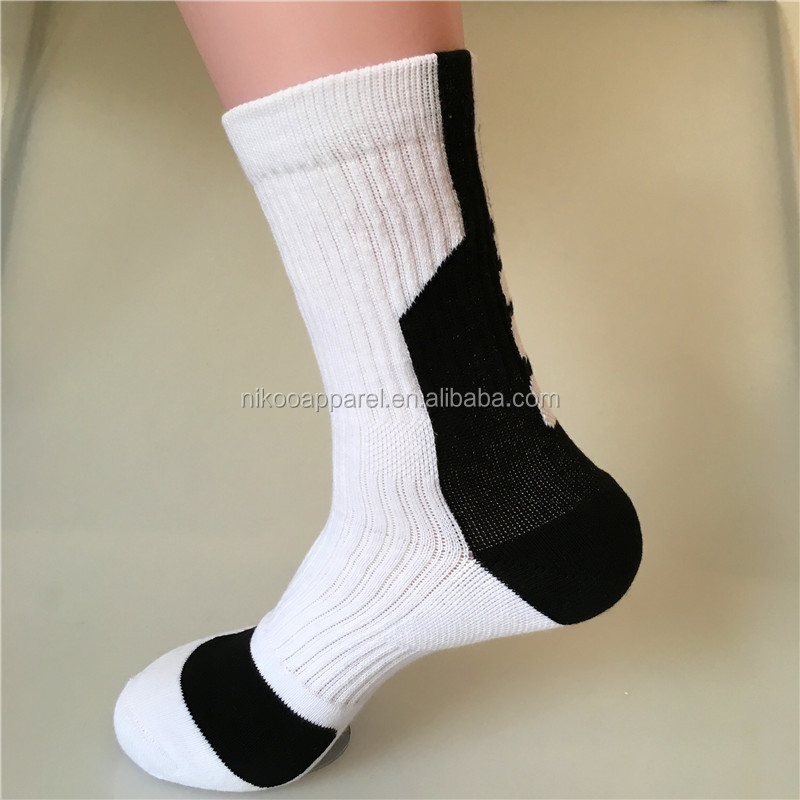black/white breathable elite crew socks in OEM service