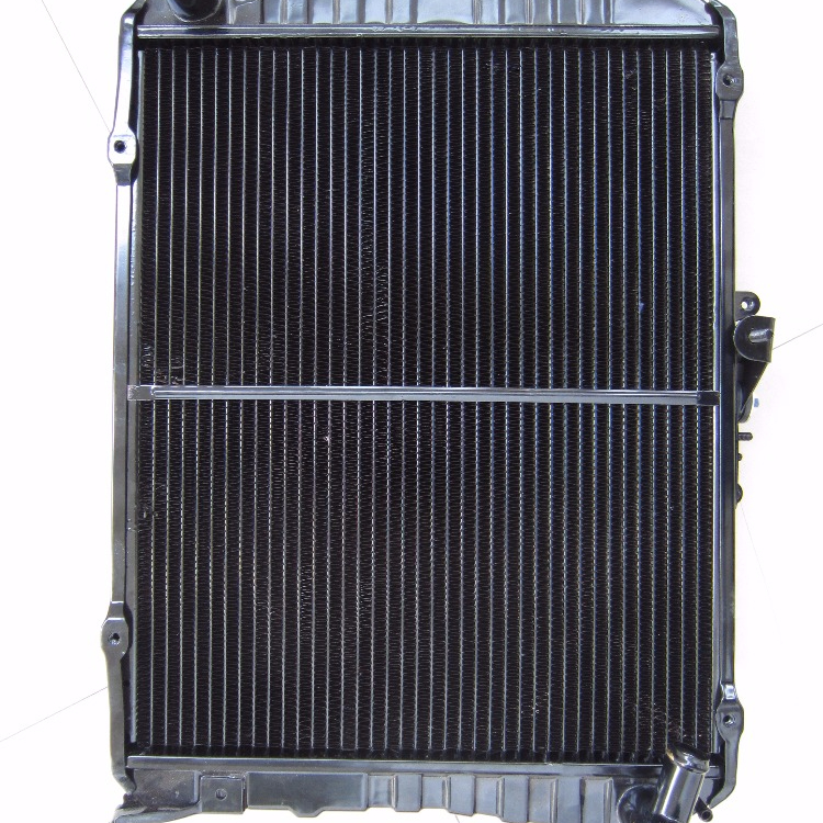 Truck engine spare parts radiator for Toyota truck for Japanese market