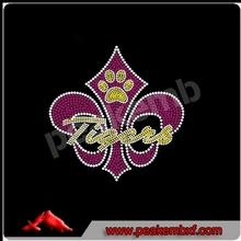 Paw With Fleur De Lis Rhinestone Transfer Design
