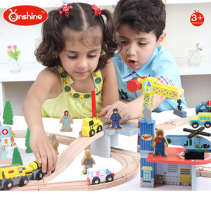 New 2017 new style 70 pcs Railway Wooden toy train set for kids