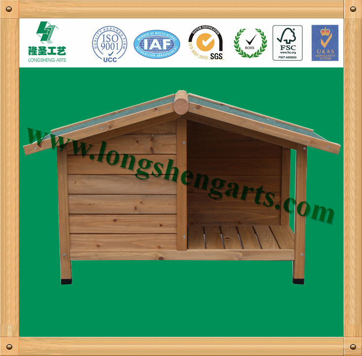 DH8S Wooden dog house