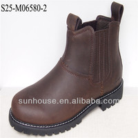 2015 fashionable new style men boots with action leather upper