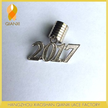 2017 Silver Adult Charm For Graduation