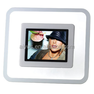 Hot Sale latest Mini Digital Photo Frame 2.4 inch LCD Display with Gift Box Packing